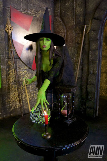 not-wizard-oz-xxx-wicked-witch