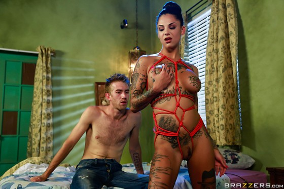 american-whore-story-brazzers-horror-5